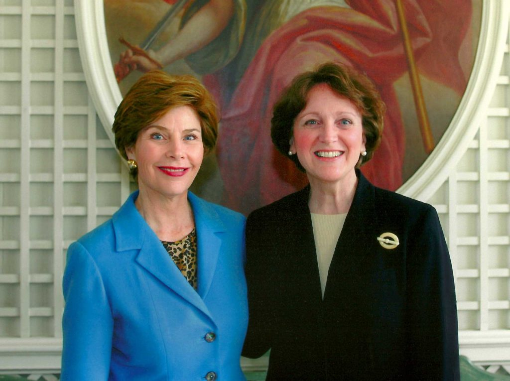 Residents enjoy events like our viewpoints series including speakers like Laura Bush and Laurie McCord