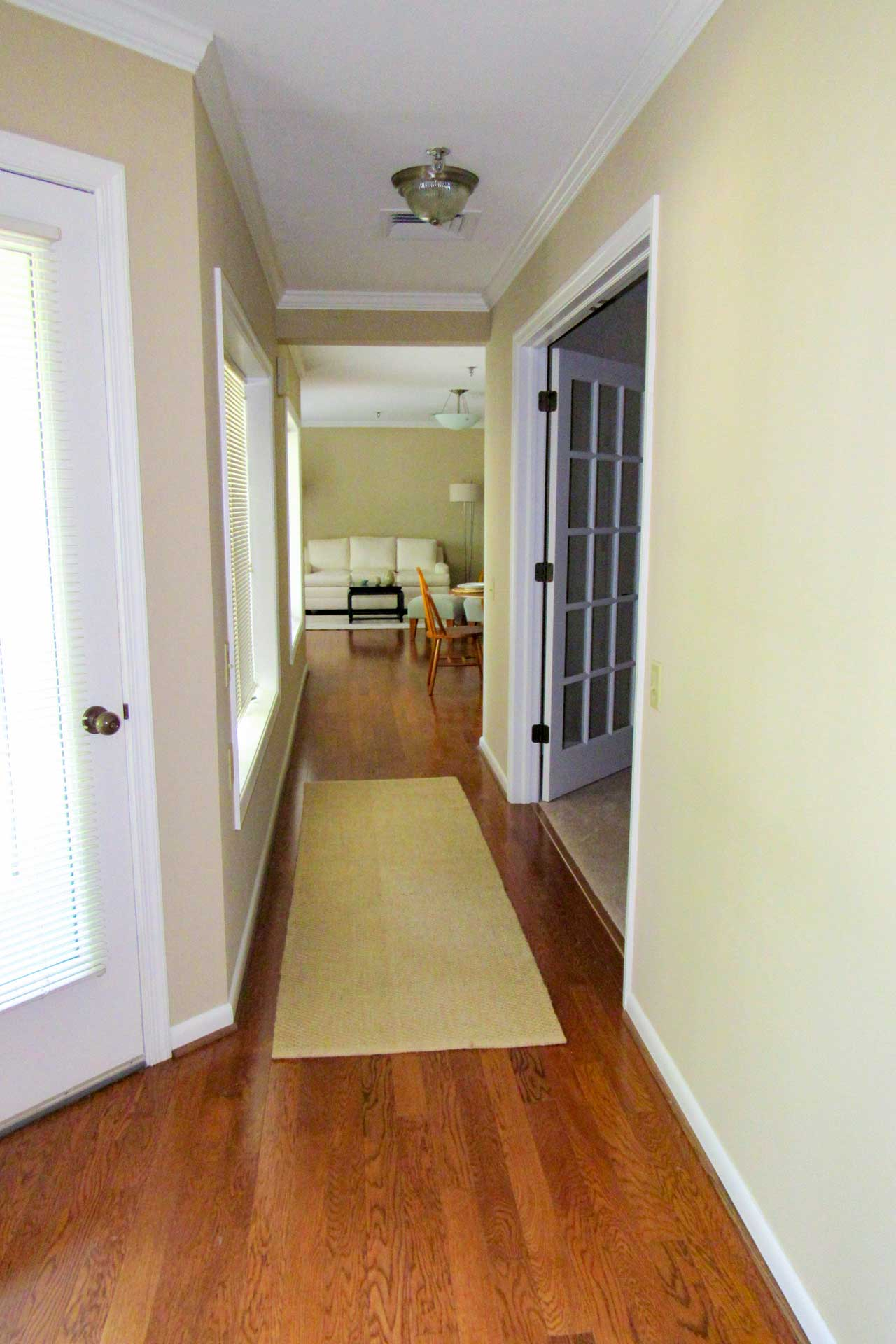 apartment-foyer