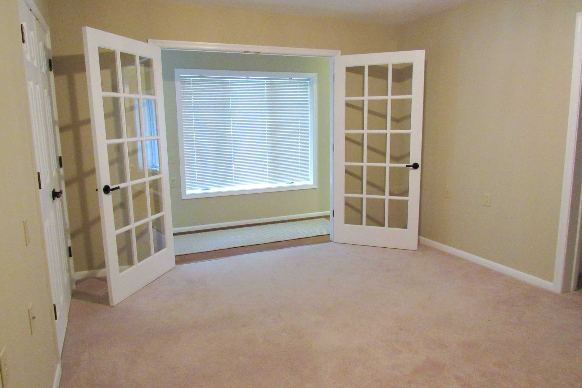 bedroom-french-doors-hallway