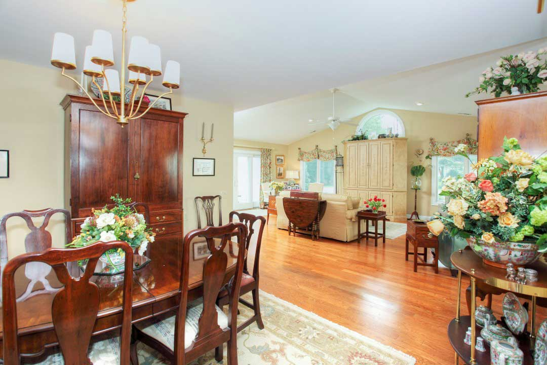cottage-dining-living