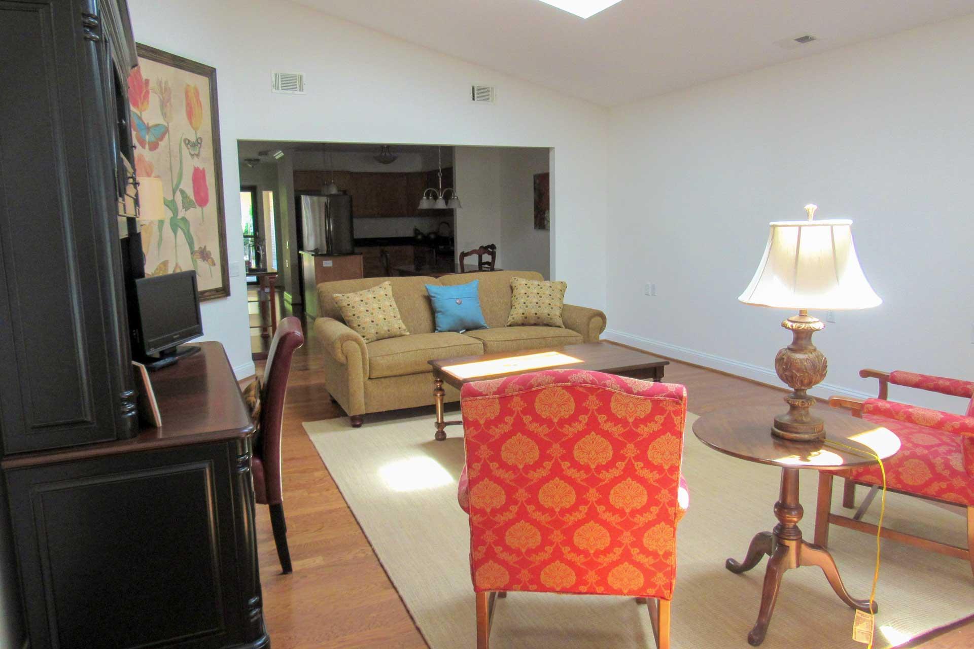 cottage-living-room
