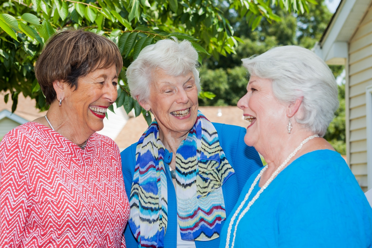 ladies-enjoy-conversation