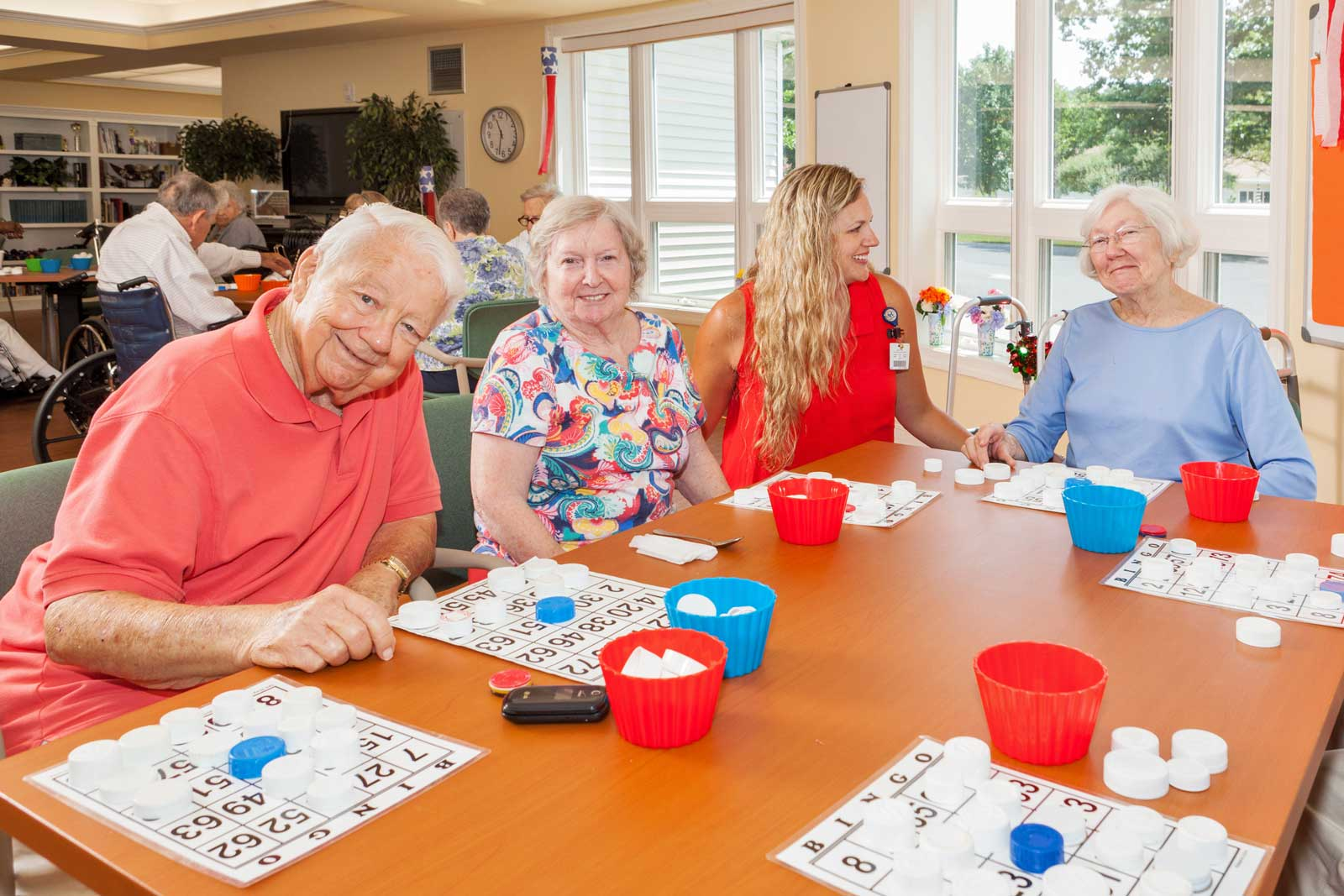 residents-play-bingo