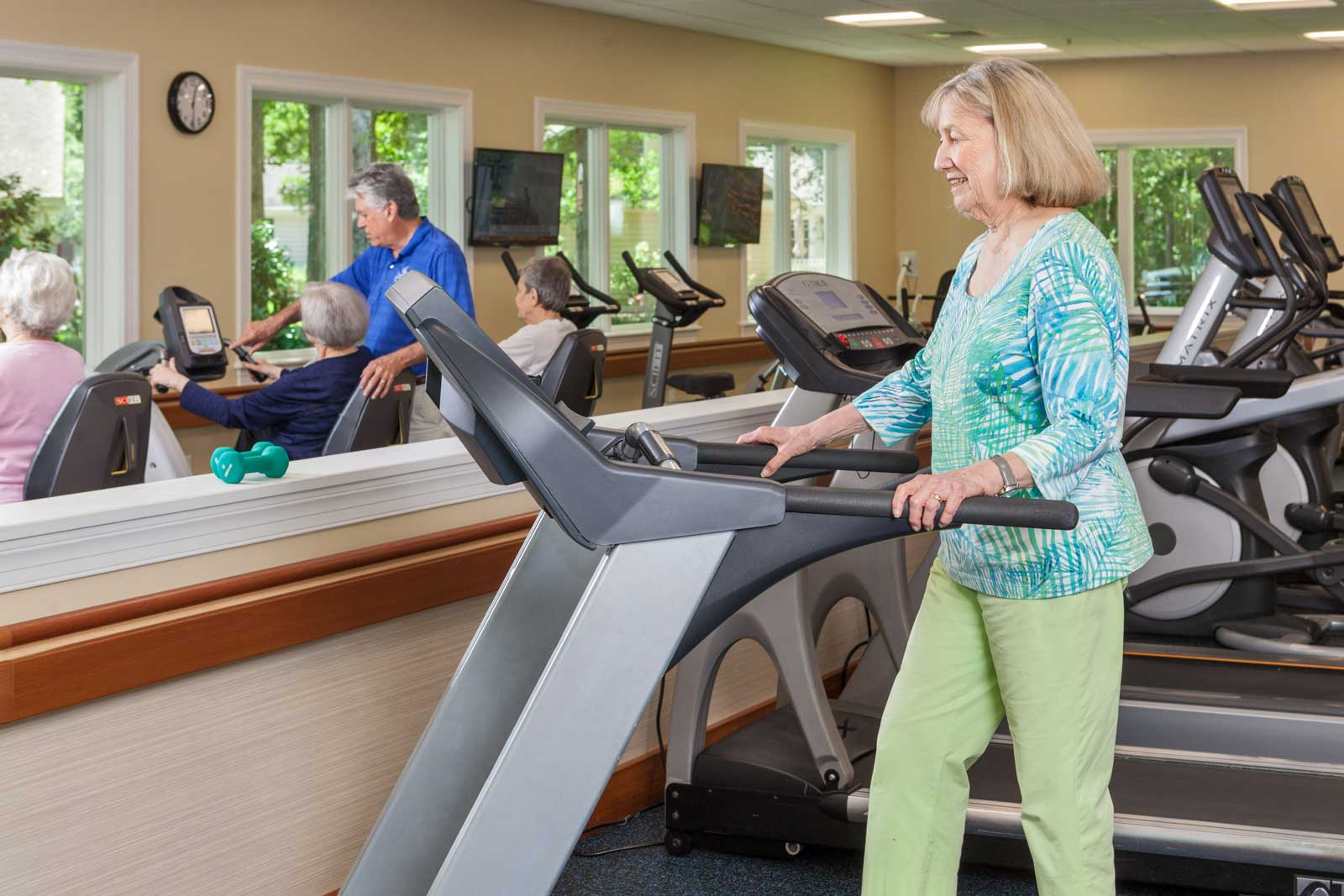 woman-uses-treadmill